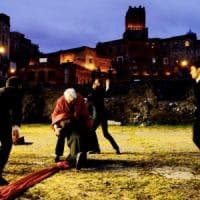Roma, Giulio Cesare la tragedia del potere rivive ai Fori