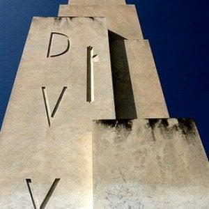 Roma, rivelato il messaggio di Mussolini ai posteri nascosto sotto l'obelisco del Foro Italico