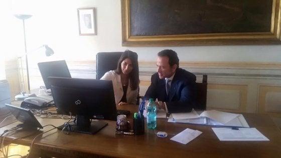 Roma, prima crisi per la giunta Raggi: si dimettono capo di gabinetto e assessore al Bilancio