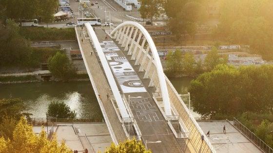 """Roma, al Ponte della musica: """"Aperti per ferie"""""""