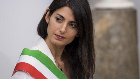 Roma, Raggi convoca la prima giunta dopo le dimissioni di Minenna e Raineri