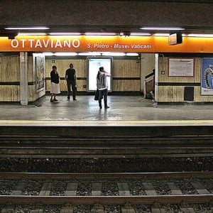 Roma, zaino sospetto: chiusa e poi riaperta la stazione metro Ottaviano