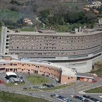 Viterbo, si barrica in casa e minaccia di far esplodere palazzo: denunciato