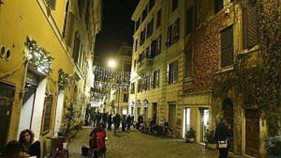 """Roma, via Urbana pedonale: """"I primi 300 metri entro fine ottobre"""". L'ira dei residenti: """"Fermate il progetto"""""""