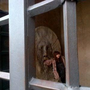 """Roma, per una foto con la mano nella """"Bocca della verità"""" si pagano due euro"""