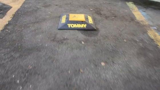 """A Roma arriva Tommy 2.0, l'allarme anti-furbetti della sosta. """"L'ho inventato per mio figlio"""""""