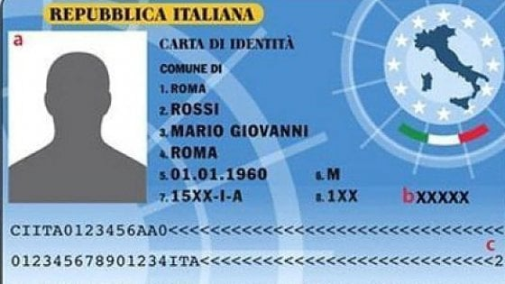 Roma, nei municipi arriva la carta d'identità elettronica
