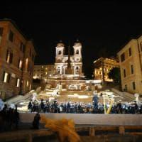 Roma, riapre dopo il restauro la scalinata di Trinità dei Monti. Raggi: