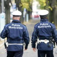 Roma, blitz anti abusivi davanti al Policlinico
