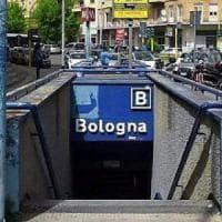 Roma, picchiato in metro per una sigaretta, arrestato il terzo aggressore