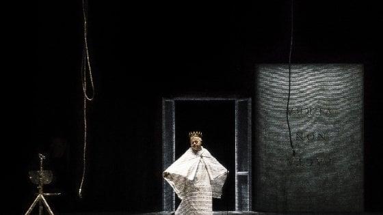 Roma, silenzi e body art: l'Orestea di Castellucci al Teatro Argentina