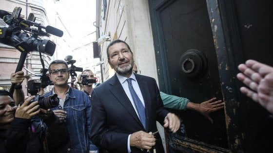 """Roma, Marino attacca Orfini: """"Dovrebbe dimettersi"""". E su Renzi: """"Scaltro e intelligente ma mal consigliato"""""""
