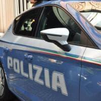 Roma, spaccio tra i banchi dei fiori al cimitero di Prima Porta: arrestati 7 pusher