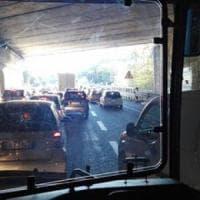 Roma, mega ingorgo sull'Aurelia: il concorso paralizza la circolazione per ore