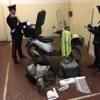 Roma, arrestato postino: aveva droga tra le lettere