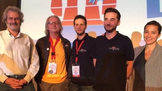 """Maker Faire 2016, premio a """"Talking Hands"""": un progetto che aiuta le persone non udenti"""