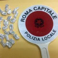 Roma, controlli nelle zone della movida: 3 arresti e 28 dosi di hashish sequestrate