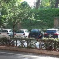 Roma, parcheggiatori abusivi. I vigili:
