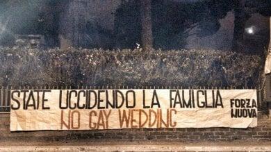Ergife, blitz dei militanti di Forza Nuova  contro la kermesse Gaywedding