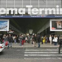 Roma, allarme bomba alla stazione Termini: evacuato binario, ma era solo