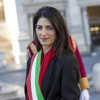 """Roma finisce sull'Economist: """"Dopo inizio disastroso, per M5s c'è la prova dei fatti"""""""