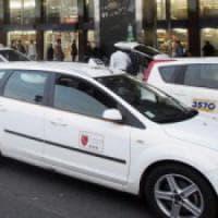 Fiumicino, protesta anti abusivi dei taxi. Comune diserta l'incontro con
