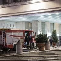 Terremoto, due forti scosse avvertite anche a Roma. Gente in strada e paura
