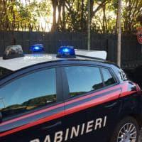 Roma, duplice omicidio sul pianerottolo in zona Due Ponti
