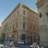 Roma, la giunta dà l'ok all'Apple Store a via del Corso