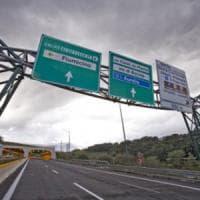 Roma, ordinanza Raggi: area dentro il Gra vietata a 140mila auto. E addio