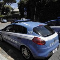 Roma, vendeva droga nei giornali. Arrestato edicolante di Trastevere