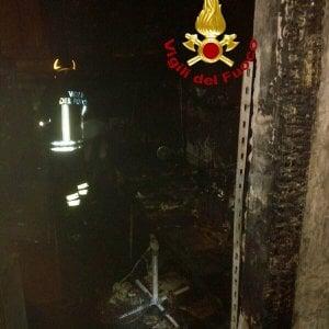 Roma, fiamme in appartamento: evacuato palazzo in via Napoleone III