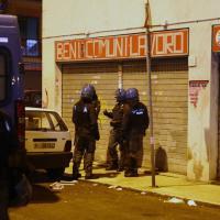 Magliana, gli scontri tra manifestanti. La polizia sequestra anche bombe carta