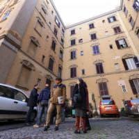 Roma, crepe in un palazzo a Porta Maggiore: evacuate 20 famiglie