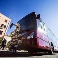 Roma, auto in sosta vietata: i bus non passano e il 441 si ferma per 5 ore