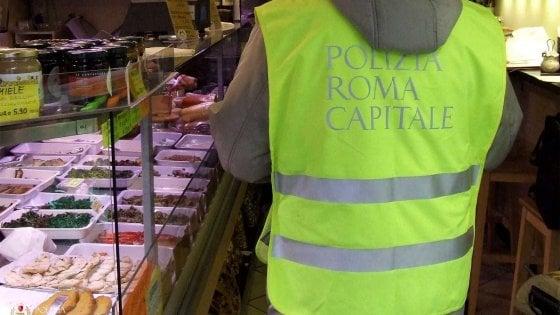 Roma, chiuso ristorante a Monti: topi e blatte nelle cucine