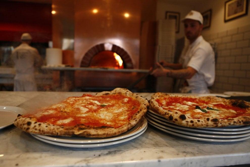 Roma apre i battenti da michele la storica pizzeria napoletana 1 di 1 roma - Pizzeria con giardino roma ...