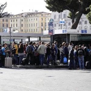 Roma, black friday tra super sconti, pioggia e scioperi. E il venerdì nero dura tre giorni