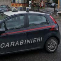 Roma, viola divieto e si arrampica sui tubi per entrare in casa ex: arrestato