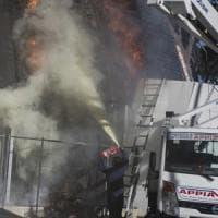 Roma, in fiamme auditorium di Pineta Sacchetti: nessun ferito