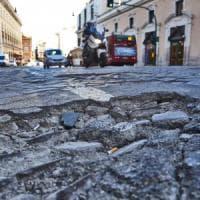 Campidoglio, a Roma task force per riparare le buche: al via da dicembre