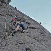 Roma, precipita mentre faceva free climbing: uomo muore ad Allumiere