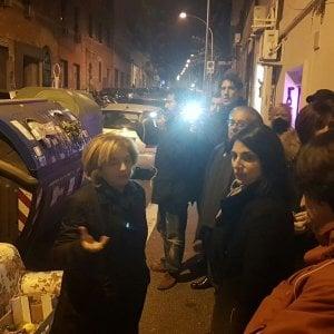 Rifiuti Roma, blitz di Raggi e Muraro a Tor Pignattara