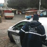 Roma, aggredita dal marito nel campo nomadi di via Salviati. Salvata dalla polizia locale