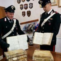 Gaeta, cerca di rivendere su eBay antichi manoscritti rubati: denunciato