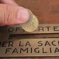 Roma, ruba il banchetto delle offerte da una chiesa: arrestato