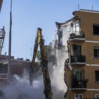 Roma, demolito il palazzo di via della Farnesina, viaggio tra chi ha perso tutto