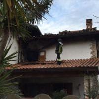 Sabaudia, a fuoco la casa di un'ispettrice di polizia: s'indaga per incendio doloso