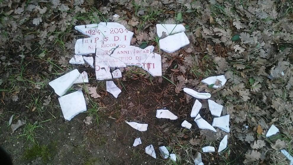 Roma, vandalizzata la targa dedicata a Matteotti sul lungotevere