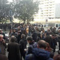 Terremoto, paura a Roma, evacuati edifici pubblici e scuole. Riaperte metro